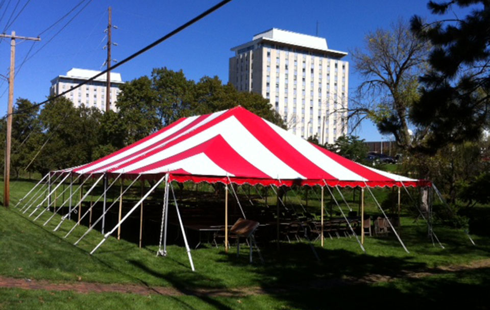 Canopy tent rentals in Peoria, Champaign, Pontiac, Decatur, Bloomington IL and Lincoln Illinois